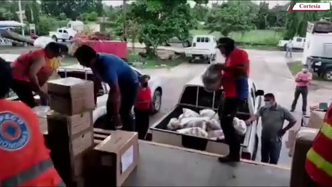 Continúa llegando ayuda humanitaria para los damnificados del Valle de Sula