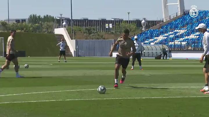 El Real Madrid entrena en el Di Stéfano
