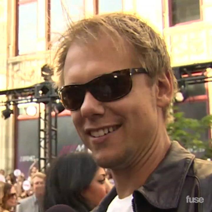 Armin Van Buuren Talks Fatherhood and New Singles on MMVA Red Carpet