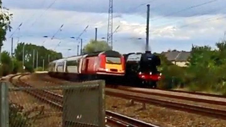 Skulle endelig oppleve legendarisk tog: – Åh svarte helvete!