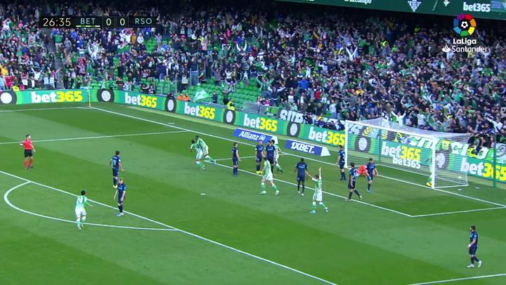 Gol de Borja Iglesias (1-0) en el Betis 3-0 Real Sociedad