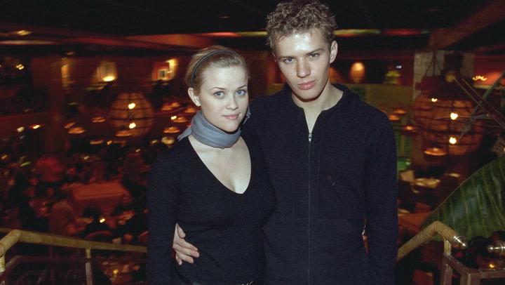 Reese Witherspoon confiesa estaba aterrorizada cuando se quedó embarazada con 22 años