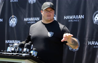 Richie Incognito Returns to Practice as Raiders Deal With Injuries Heading Into Road Stretch – VIDEO