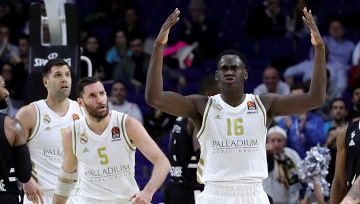 Garuba, el jugador más joven en logran un doble-doble en la ACB