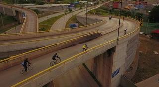 Drone: Así es el retorno de los ciclistas en anillo periférico