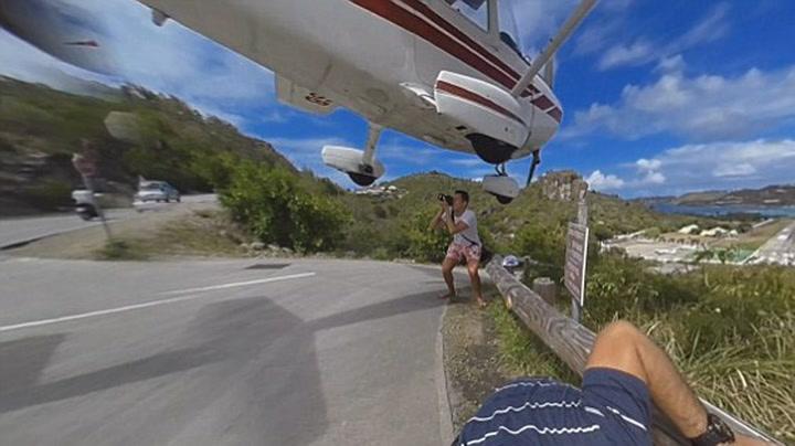 Turist ble truffet av fly under innflyvning