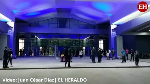 Así se vive el ambiente en la inauguración del Aeropuerto de Pamerola