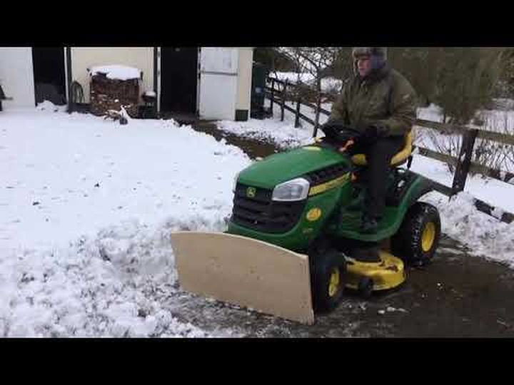 This Homemade Snow Plow Is Proof That Lazy People Come Up With The Most Innovative Solutions - Digg