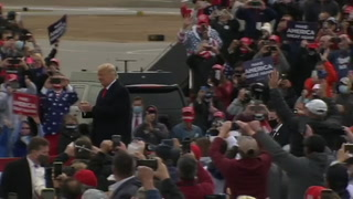El caos por el covid-19 aumenta alrededor de Trump, a nueve días de la elección