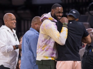 LeBron James Watches LV Aces Beat NY Liberty, 100-65