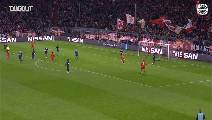 Philippe Coutinho trademark strike vs Tottenham Hotspur