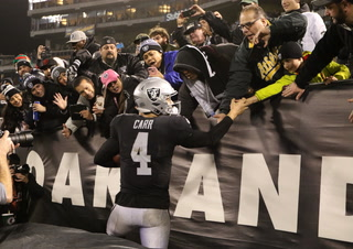 Carr, Gruden reflect on what could be the last game played in Oakland