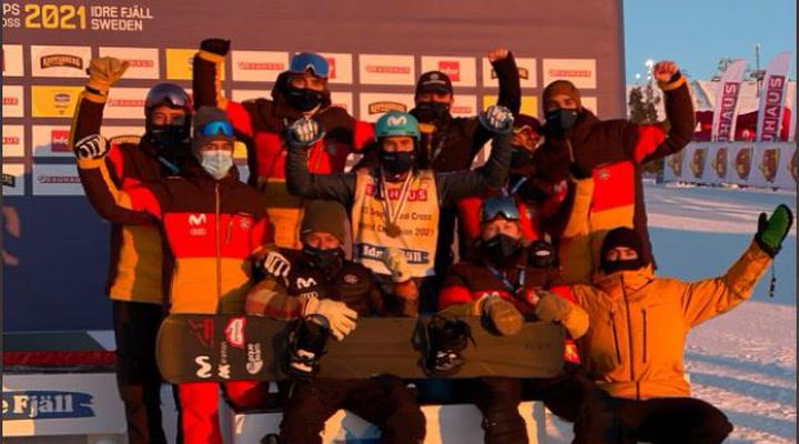 Celebración y declaraciones del equipo español tras la medalla de Lucas Eguibar