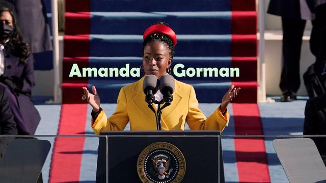 Yemin töreninde şiir okuyan Amanda Gorman