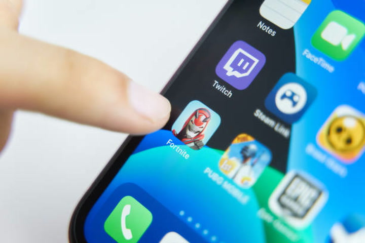 Apple banning Fortnite from app store for up to five more years