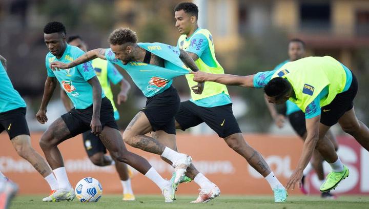 La Selección de Brasil se prepara para el partido ante Ecuador