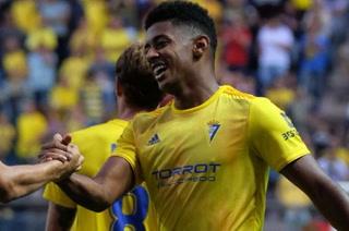 Choco Lozano con sus goles le ha dado 12 puntos al Cádiz en la Segunda División de España