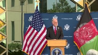 Aterriza en EEUU primer vuelo de evacuación de afganos que trabajaron con tropas
