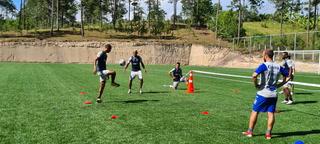 ¡Hasta con el preparador físico! Así fue el partido de fútbol tenis en el entrenamiento de Honduras