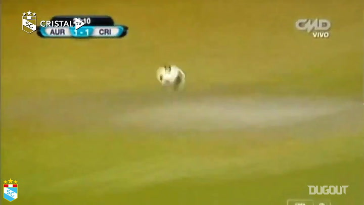 El gol olímpico de Carlos Lobatón con Sporting Cristal