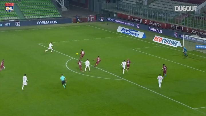 El gran gol en equipo del Lyon ante el Metz