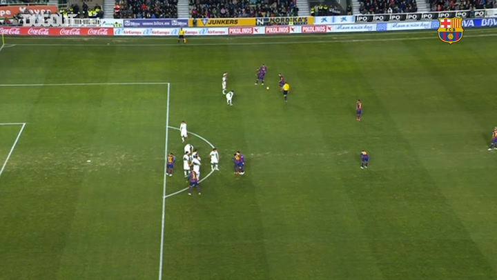 Gerard Piqué lidera la victoria del Barcelona ante el Elche