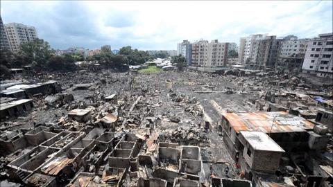 Al menos 10.000 personas pierden su casa en incendio en Bangladés