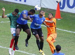 ¡Marathón no puede contra Honduras Progreso que está con 10 jugadores por la roja a Rafael Agámez!