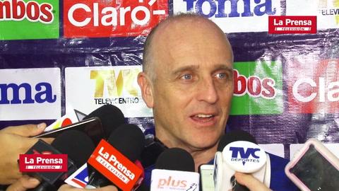 Video: Selección de Honduras partió rumbo a Martinica con equipo alterno