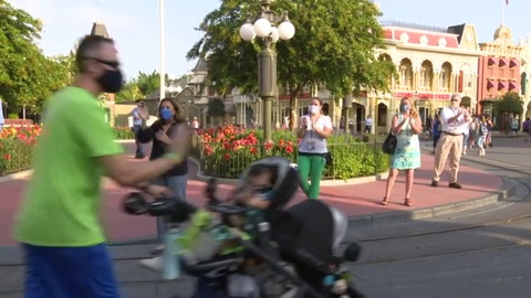 Disney World reabre sus puertas, en plena suba de contagios en Florida