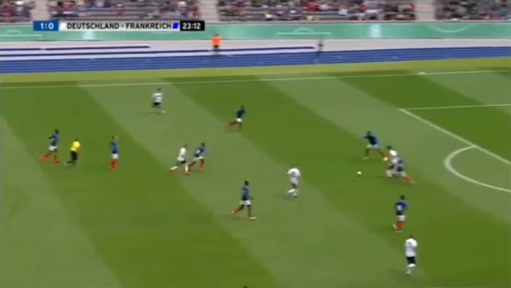 Regate de Lacroix, seguido por el Barça, en un Alemania - Francia Sub-16