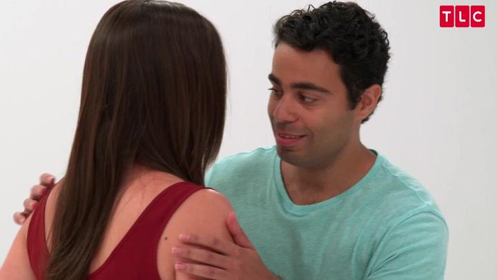 Tåkrummende pinligt: mest akavede første kys du har set