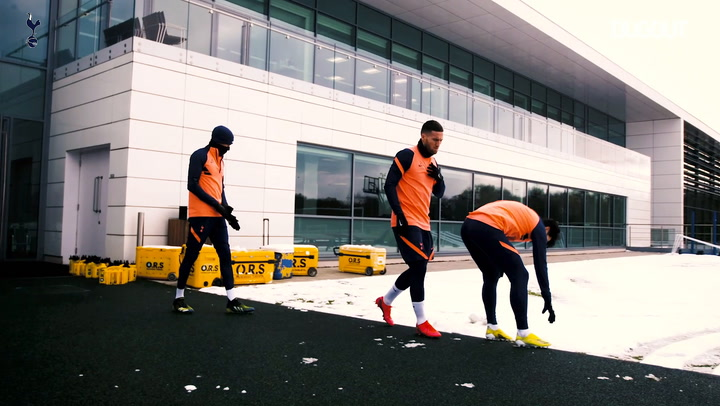 Snowball fight before Spurs training