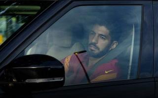 ¡Suárez se enfada con el Barcelona y se plantea hacer una rueda de prensa!