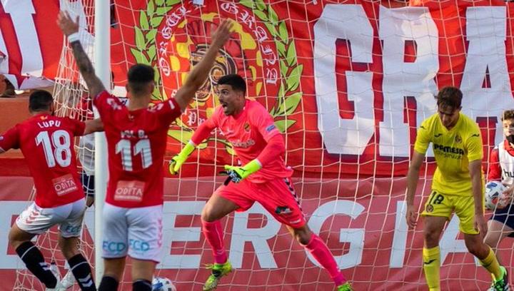 Suárez (Nàstic) se une a la moda de los porteros goleadores