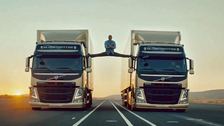 Jean-Claude van Damme med episk splitt