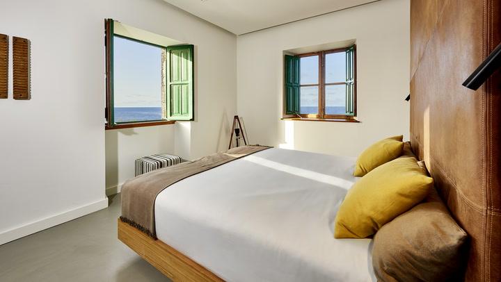 Renée Zellweger, Scarlett Johansson o Brad Pitt podrían dormir en este faro de La Palma