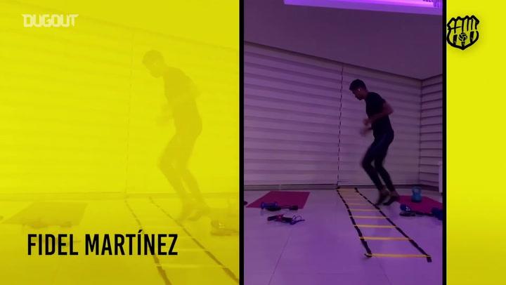 Jogadores do Barcelona de Guayaquil treinam em casa durante quarentena