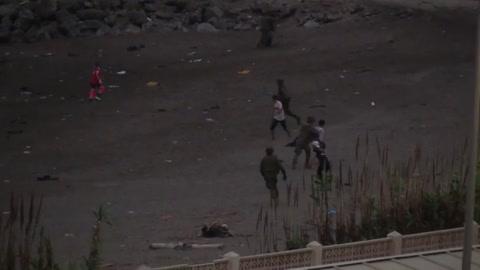 España promete restablecer el orden en Ceuta ante la grave crisis migratoria