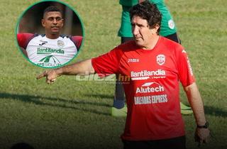 Héctor Vargas anuncia que Carlo Costly jugaría ante Olimpia