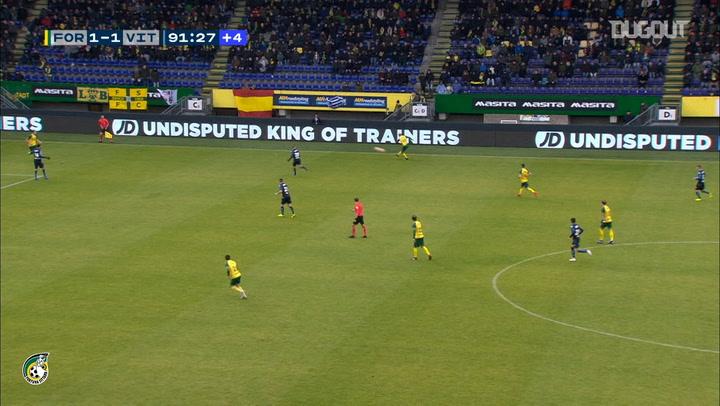 Finn Stokkers' long-range goal seals win vs Vitesse