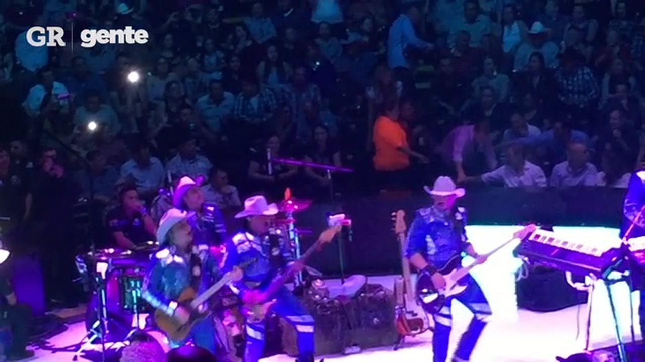 VIDEO: Grupo Bronco y Lupe Esparza