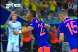 ¡GOL DE COLOMBIA! Roger Martínez abre el marcador 1-0 ante Argentina en la Copa Ámerica