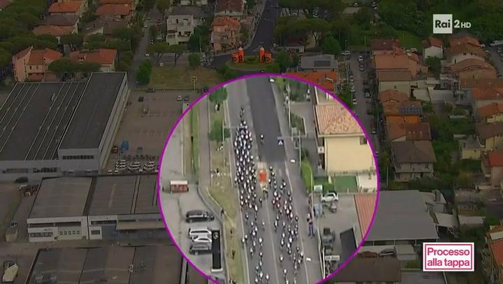 El replay a vista de pájaro de la caída de los ciclistas Landa y Dombrowski