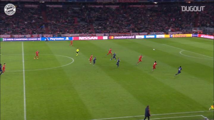 Grandes paradas de Manuel Neuer en la Champions League 2019/20