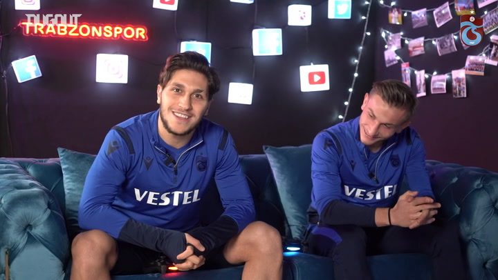Safa Kınalı ve Serkan Asan Kozlarını FIFA'da Paylaştı!