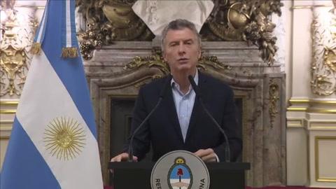 Macri anunció que inició conversaciones con el Fondo Internacional para evitar una crisis