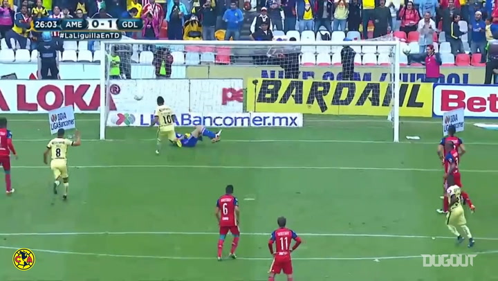 Osvaldo Martínez's powerful penalty kick vs Chivas