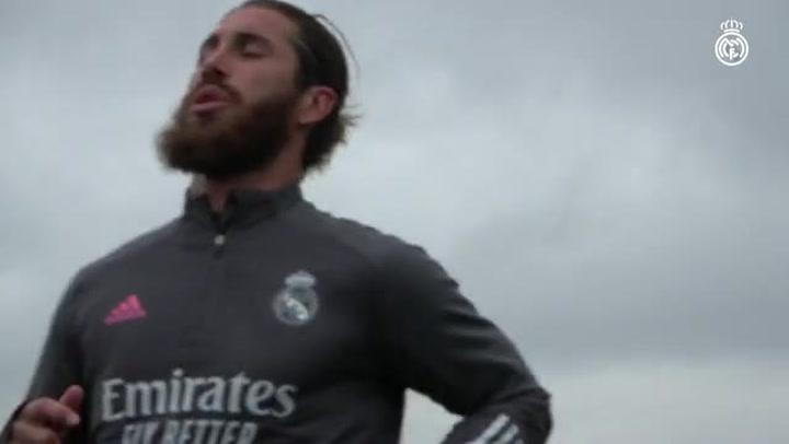 El Real Madrid se enfoca en el Clásico tras la debacle en el debut europeor