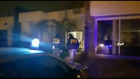 Detuvieron a un juez acusado de integrar una banda que robaba casas y autos